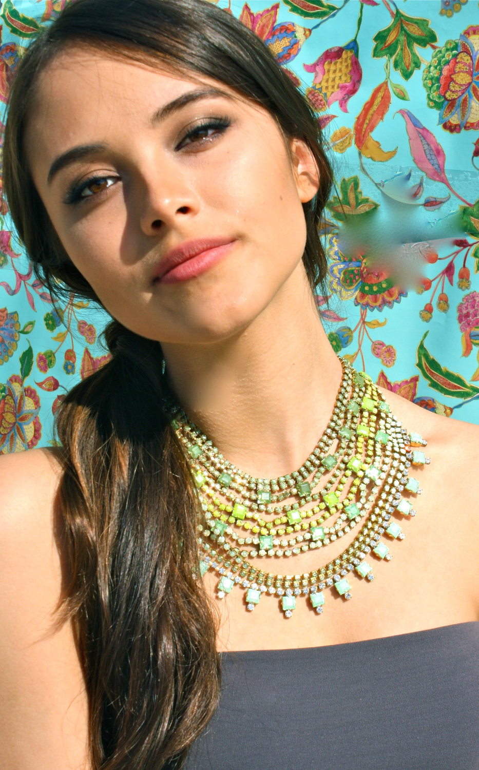 Source: Trend4girls.com Jewellery hacks: Fast tips on how to wear necklaces - Gemstone Pendants Statement Necklaces ideas 2 - Jewellery hacks: Fast tips on how to wear necklaces
