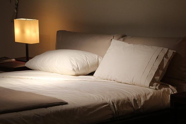Make simple savings in the bedroom