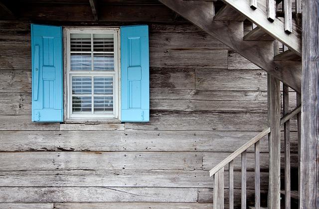 Amazing Money-Saving Moving House Tips - house 1488011070 - Amazing Money-Saving Moving House Tips