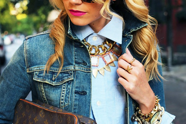 Source: Cliqueimg.com Jewellery hacks: Fast tips on how to wear necklaces - main - Jewellery hacks: Fast tips on how to wear necklaces